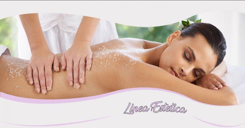Offerta servizio professionale scrub corpo per abbronzatura a Treviso - Linea Estetica