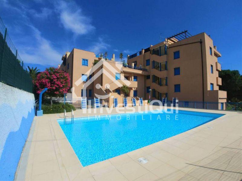 offerta vendita trilocale con piscina pietra ligure - occasione trilocale via Guido Rossa