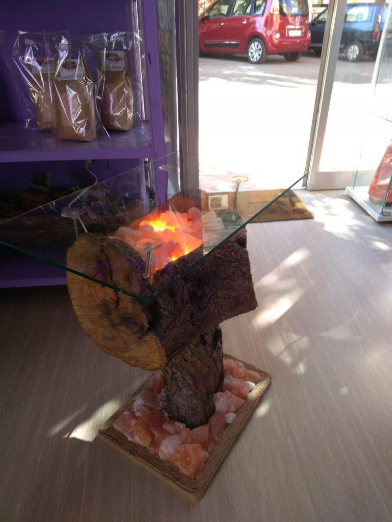 Offerta lampada di sale rosa himalayano e legno d'ulivo.Promozioni in corso