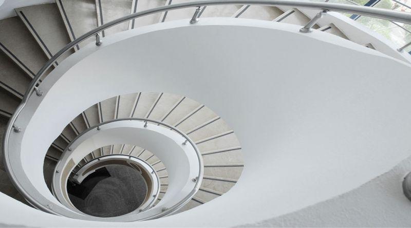 Realizziamo scale a cocciola per interni, qualsiasi sia il tuo stile, antico o moderno!