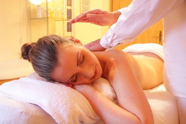 lunedi e sabato sconto 40 su tutti i trattamenti viso e corpo incluso massaggio
