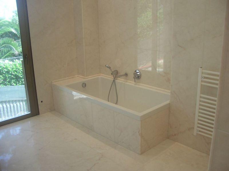 fornitura pavimenti e rivestimenti in marmo