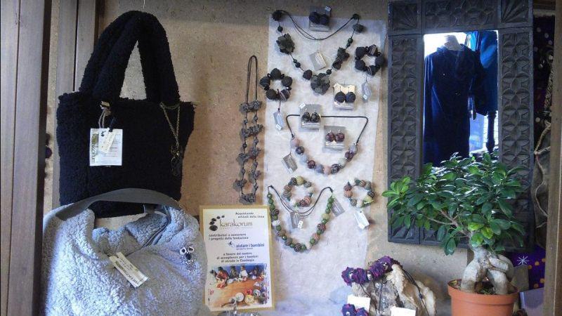 offerta vendita produzione bijoux bigiotteria - occasione accessori moda bijoux artigianali