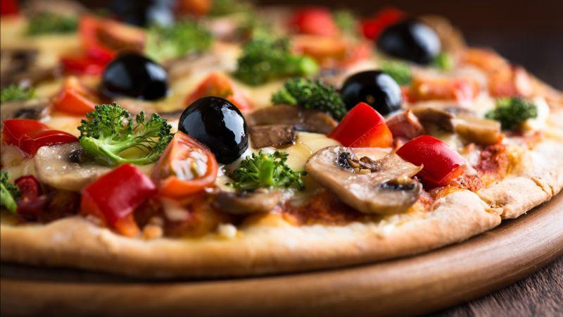 offerta pizza tradizionale cotta forno a legna - occasione ristorante pizzeria Copacabana