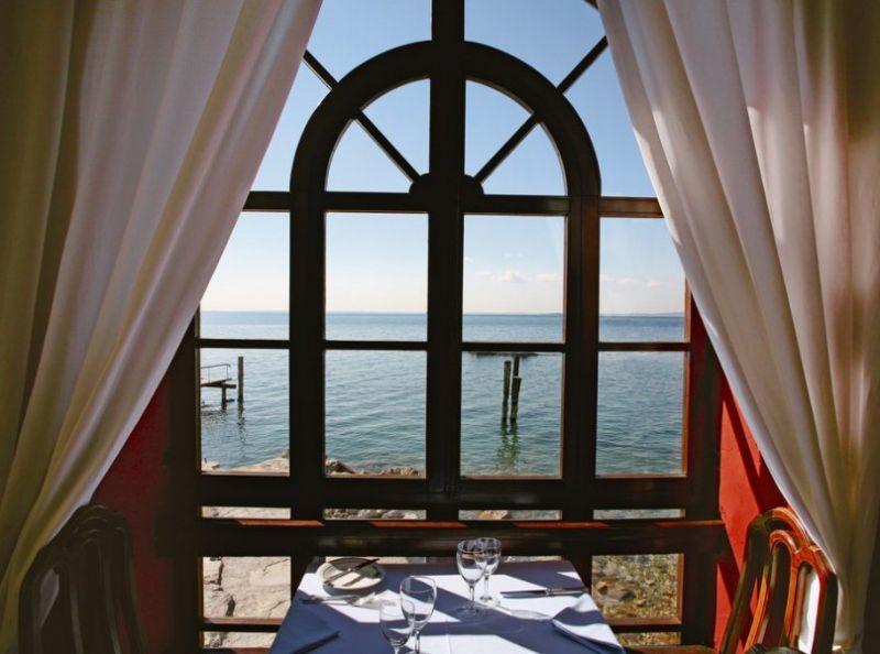 Offerta pesce ai ferri Punta San Vigilio-Promozione Ristorante Baia Delle Sirene Lago Di Garda