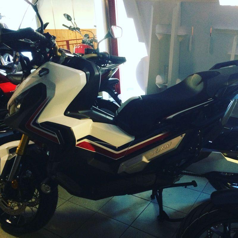 Offerta moto XADV 2017 nuovo| Fratelli Labriola (Ventimiglia)