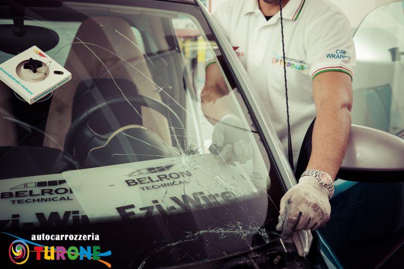 Trova il Centro Carglass - Sostituzione parabrezza auto