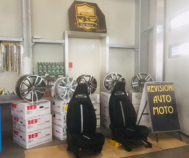 GARAGE IN CERCHI LEGA ACCESSORI NOLEGGIO AUTO