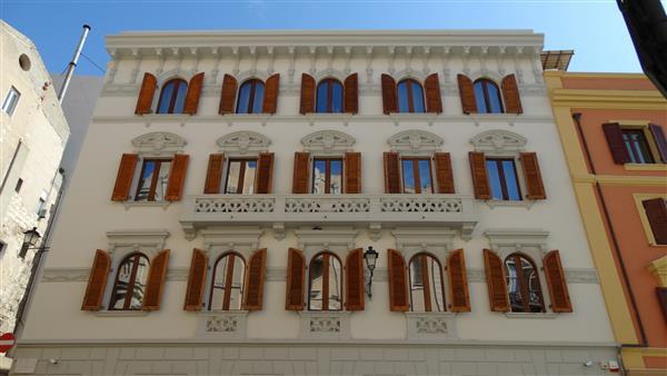 palazzo del banco di sardegna in via torino a cagliari