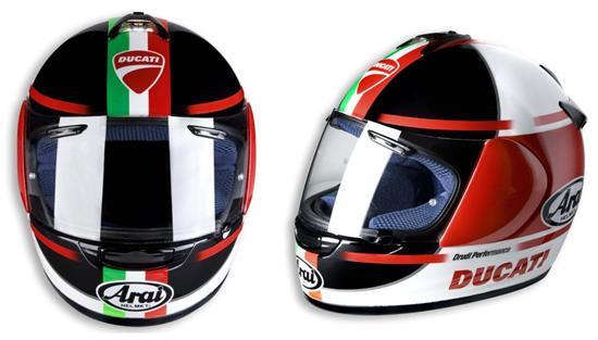 Casco Ducati/Arai Strada Sport