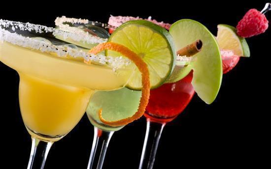 la pizzeria tramonti2 e i cocktails del venerdi sabato