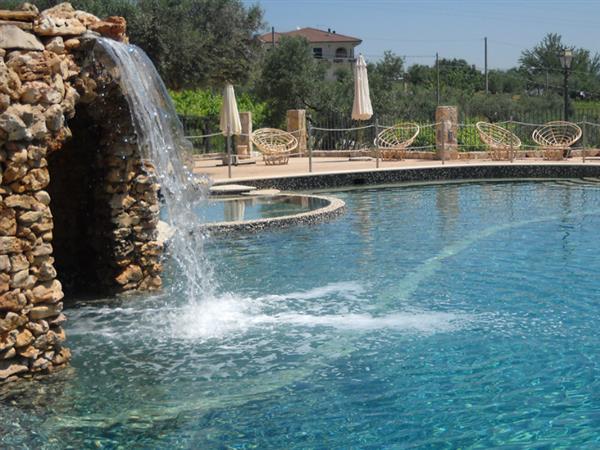 vuoi una piscina realizza il tuo sogno richiedi un preventivo senza impegno
