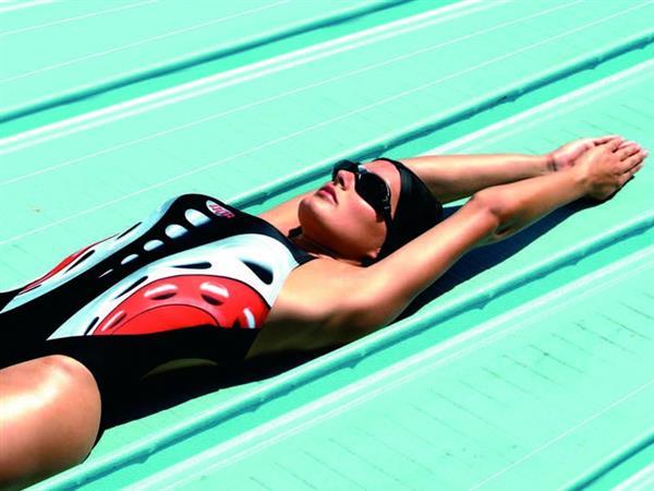 attrezzature e abbigliamento nuoto scopri la linea aquarapid da jolly sport