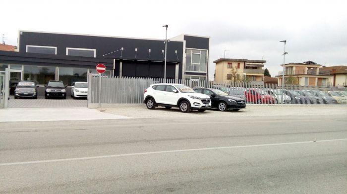 Garage Via Nova Pieve a Nievole foto 1