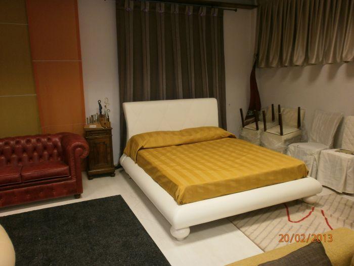 Offerta realizzazione divano in finta pelle vendita sihappy - Divano finta pelle rovinato ...