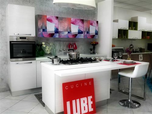 Apertura nuovo centro cucine LUBE e CREO KITCHENS a... - SiHappy