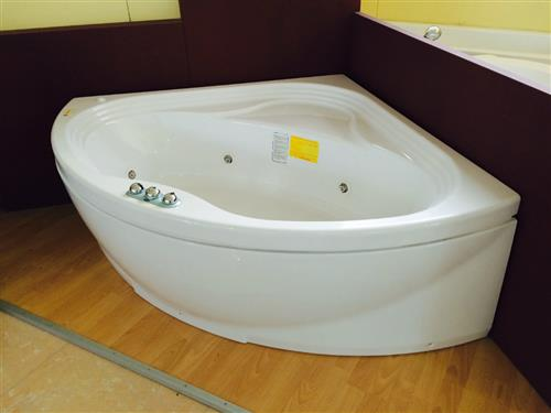 Vasca Da Bagno Revita : Revita vasca idromassaggio angolare a siena sihappy