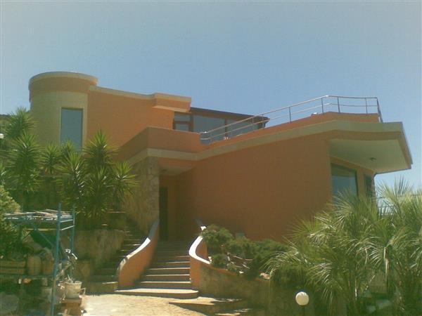 Intervento di restauro e abbellimento di una Villa moderna nel litorale Quartese