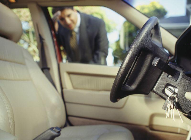 offerta servizio apertura portiera auto - servizio apertura auto senza scasso