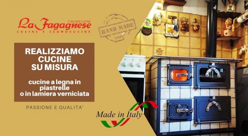 Offerta cucine a legna in piastrelle realizzate e mano e su misura a Udine – vendita Installazione stufa con forno a legna a Udine