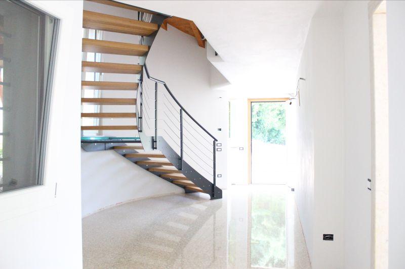 Offerta progettazione scale a giorno Verona - Realizzazione scale in ferro in legno Vicenza