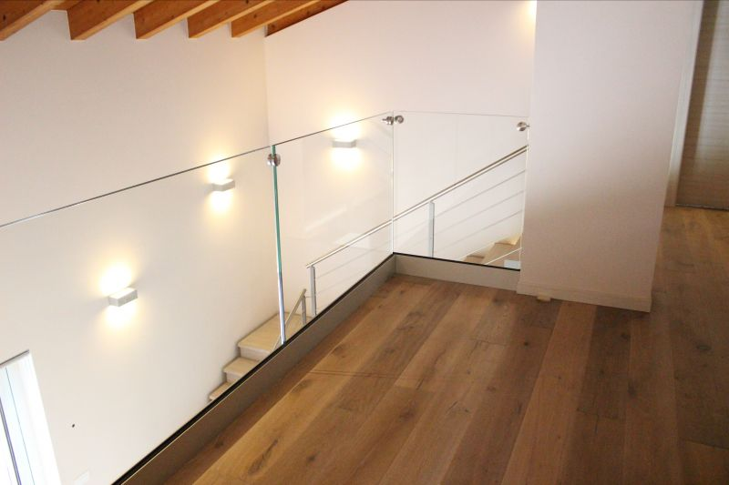 Offerta progettazione ringhiere in legno in vetro Verona - Realizzazione ringhiere Vicenza