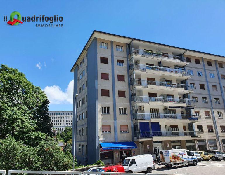 QUADRIFOGLIO IMMOBILIARE vende quadrilocale via del castagneto con terrazzo