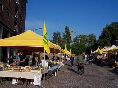 mercato contadino del venerdi a ferrara