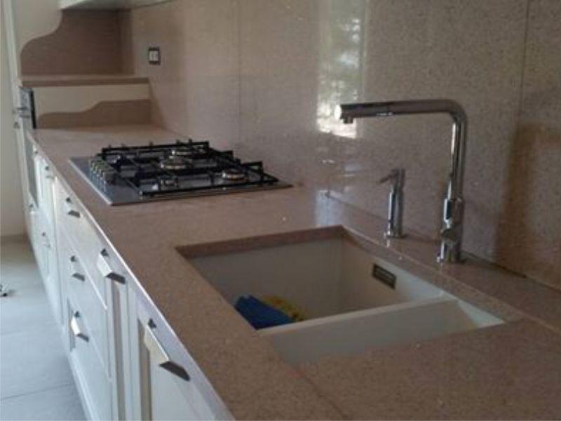 realizzazione top marmo per ogni tipo di cucina