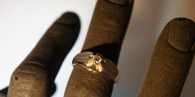 anelli da uomo in oro con diamanti a pordenone via oberdan 1 a