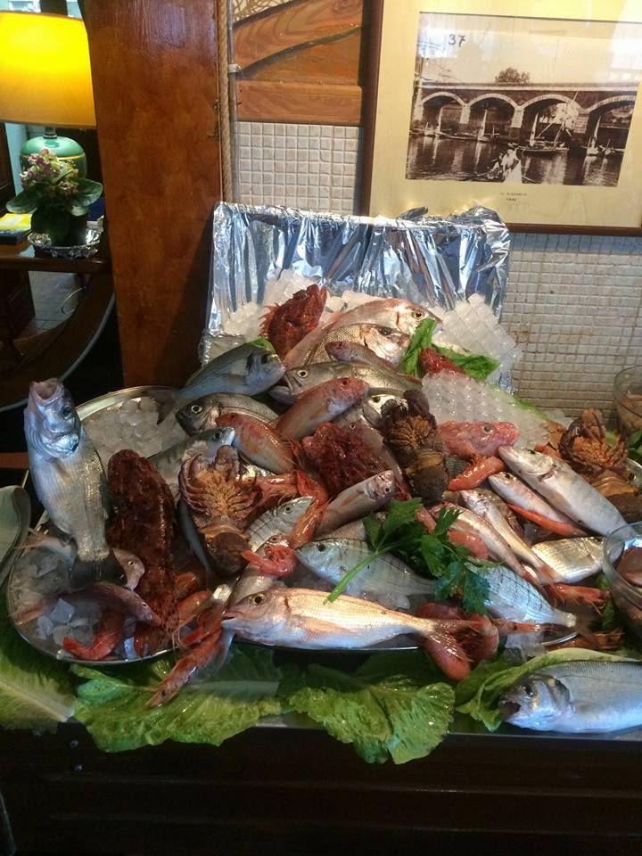zuppa di pesce frittura di pesce pesce alla griglia