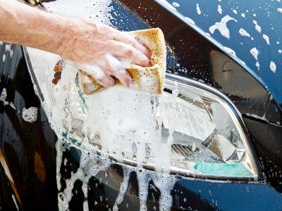 ogni 10 lavaggi auto 1 e in omaggio