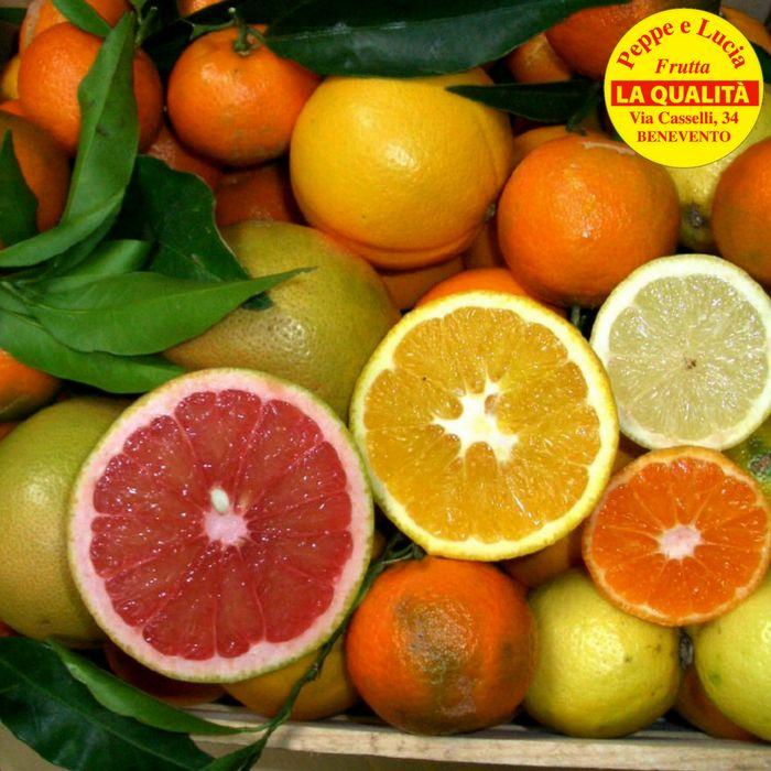 Da Peppe e Lucia la frutta e la verdura arrivano  tutti i giorni promo frutta arance