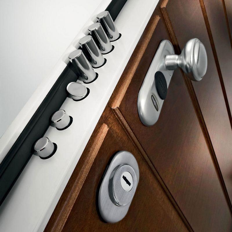 Offerta produzione porte interne su misura occasione for Garage comos sauvian occasion