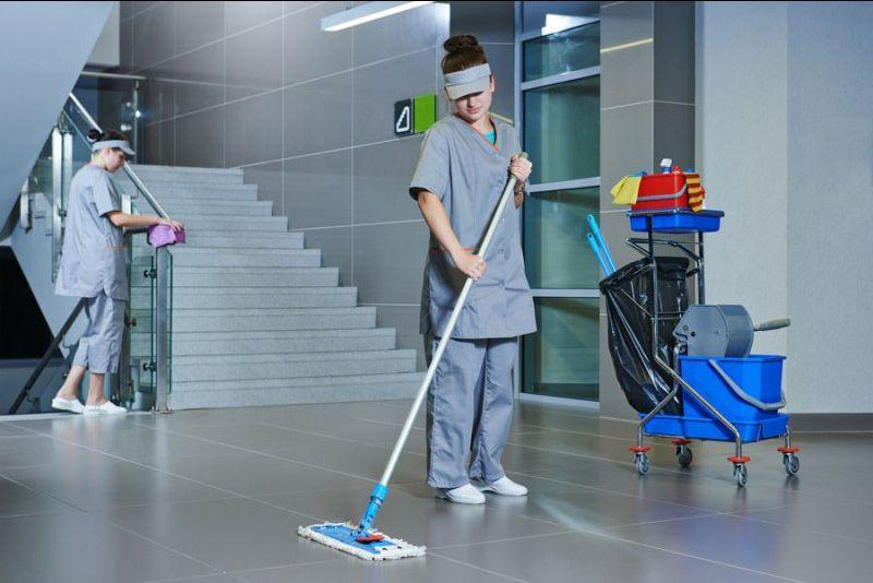 Offerta pulizia quotidiana professionale di uffici ed esercizi pubblici - Verona - La Pulidomus