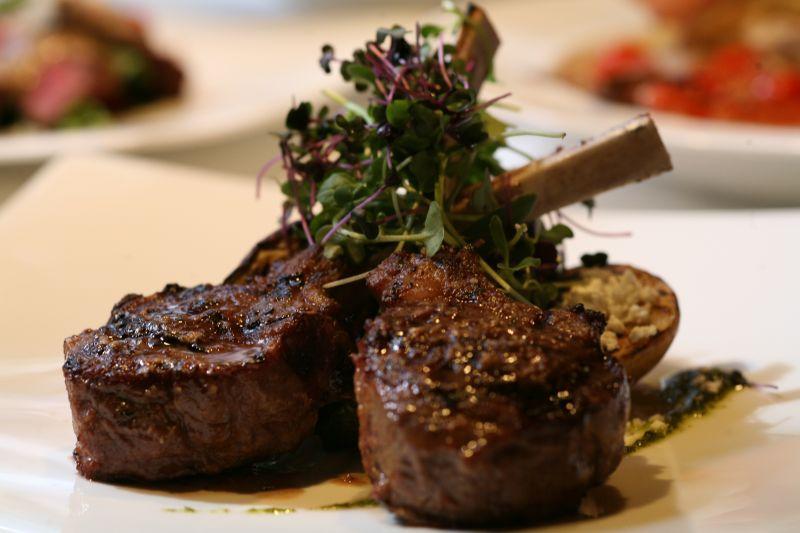 offerta specialità carne alla griglia - occasione specialità capretto ed agnello alla griglia