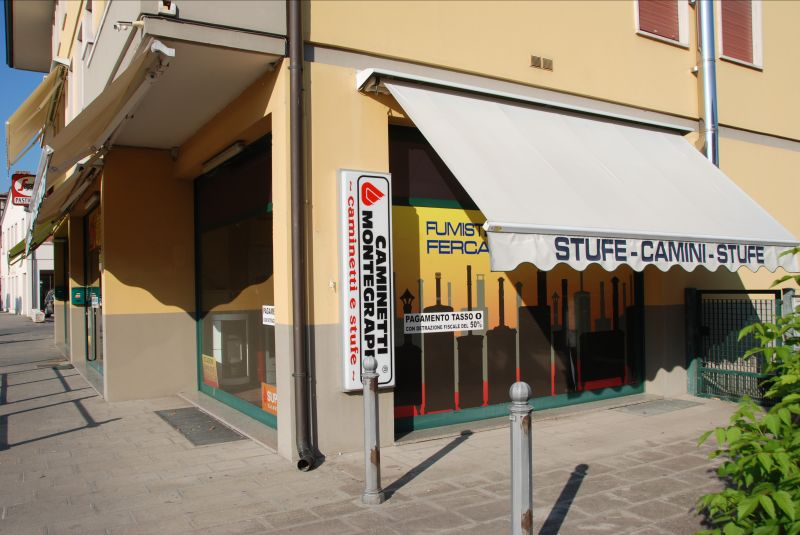 showroom stufe legna pellet nuovo ed usato occasione promozione stufe manutenzione stufe