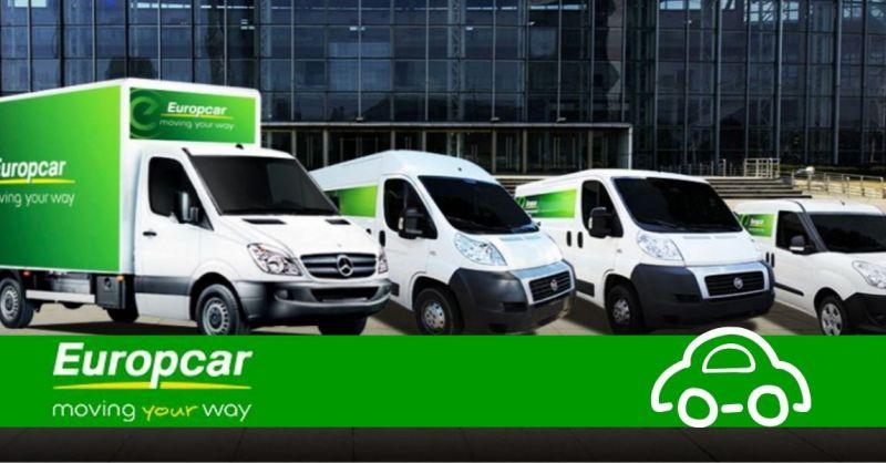 Offerta furgoni per aziende a noleggio Piacenza - occasione autonoleggio veicoli aziendali