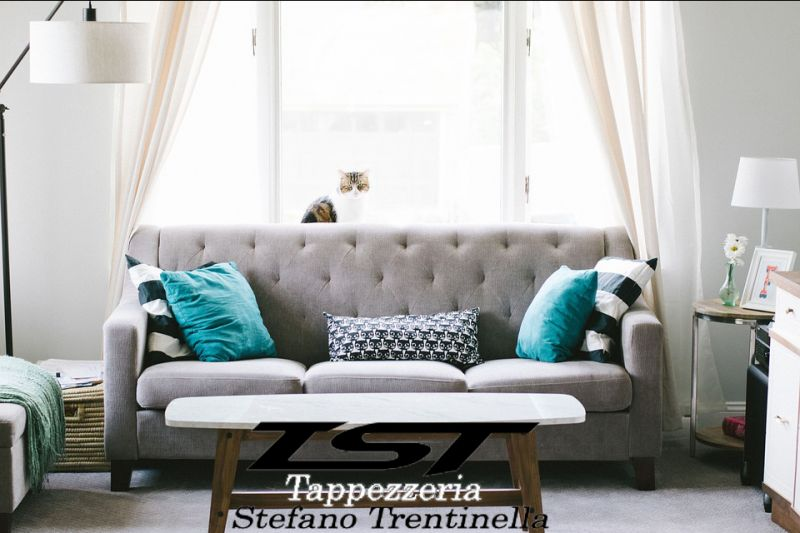 Offerta Rivestimento divano imbottiti cosenza - lavorazione tappezzeria rivestimento arredo