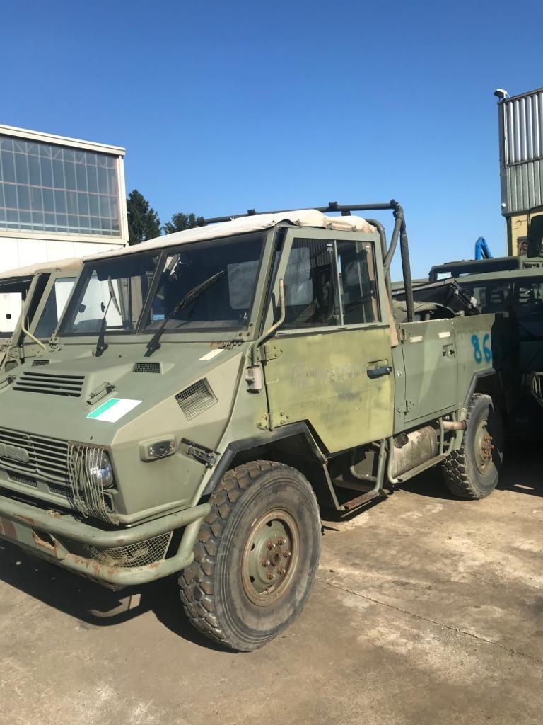 furgoncini e mezzi militari usati vicenza