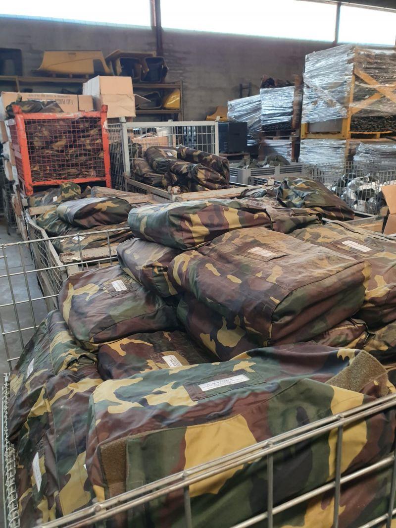 giacche e pantaloni militari a vicenza