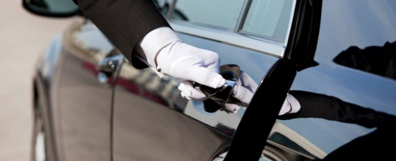 offerta trasporto con autista conducente promozione taxi privato per viaggi di lavoro verona