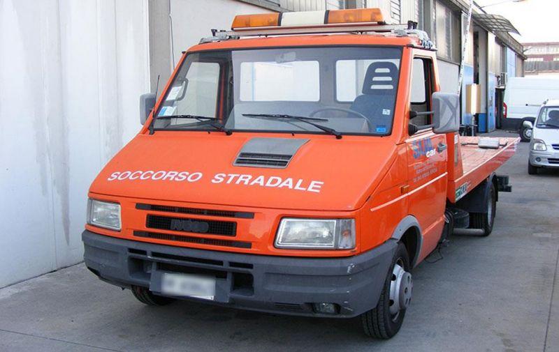 Offerta soccorso e assistenza stradale - Promozione gestione pratiche assicurative - Verona