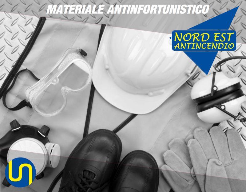 Offerta vendita abbigliamento antinfortunistico - Occasione materiale antinfortunistico Verona