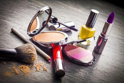 offerta vendita prodotti professionali make up promozione rossetti matite make up vicenza