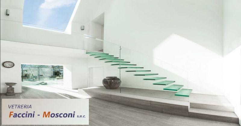 offerta realizzazione scale in vetro a Verona - occasione produzione parapetti in vetro Verona