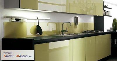 offerta foratura vetro per gattaiola a verona occasione schienali cucina in vetro a verona
