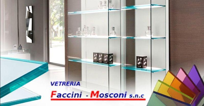 Offerta realizzazione pareti divisorie in vetro Verona - Occasione realizzazione teche mensole su misura Verona