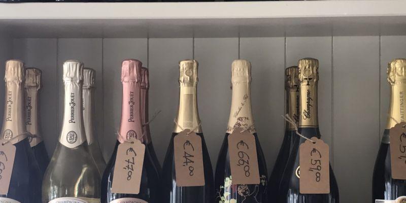 Offerta vendita bottiglie champagne Lido di Camaiore - Ristorante Sale Sciocco