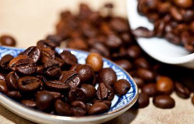 offerta caffe produzione italiana selezionata promozione caffe alta qualita uomini caffe